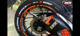 Caneta para pintar pneu  paint  desapega