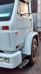 VW 13-180 truck, com baú refrigerado - 2001