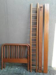 Cama solteiro madeira maciça com grade de proteção