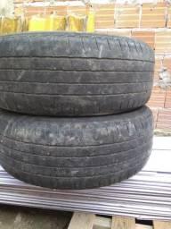 Dois pneus top 265/60/18