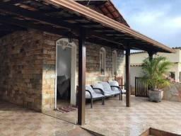 Título do anúncio: Casa à venda com 3 dormitórios em Lourdes, Itabirito cod:8151