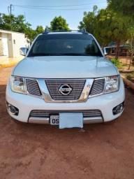 Nissan Frontier 4x4 SL diesel - 2014