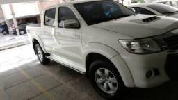 Toyota Hilux 3.0 Aut 2014 4X4 - 2014