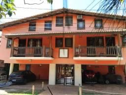 """"""" Praia do Forte-Centro da Vila - Alugo ou Venda em condomínio fechado 2 quartos mobiliado"""