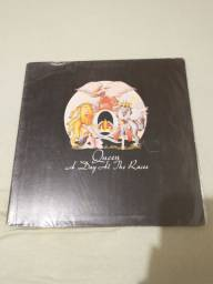 Lp Queen - A Day all the Races
