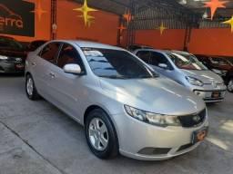 Kia - Cerato 2011 Completo - Muito novo
