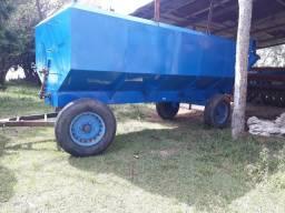 Graneleiro  e implementos agricolas