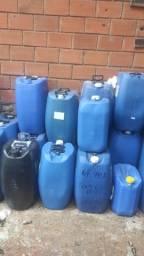 Galões Vasilhames capacidade 50 litros