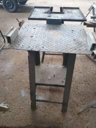 Base, mesa de ferro para serralheria policorte ou serra Criciúma
