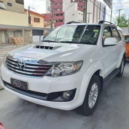 Toyota Hilux SW4 SRV Diesel - 2014