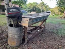 Canoa 5,5M + Motor Yamaha 40HP