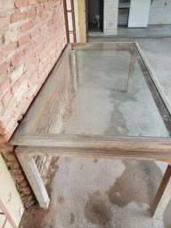 Mesa de madeira maciça com tampo de vidro ( quina quebrada)