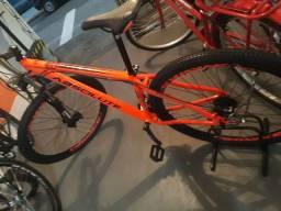 Bicicleta absolute ,quadro 17 por apenas 1800. Reais..Tenho outras corres e modelos