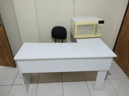 Mesa L para escritório