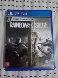 """Vendo jogo """"Tom Clancy's Rainbow Six Siege"""" PS4"""