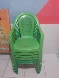 Título do anúncio: Cadeira verde