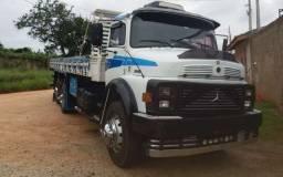 Caminhão 1313 carroceria Branco completo