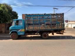 Título do anúncio: Caminhão 608