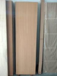 Porta de madeira lisa com capa de angelim (diversas medidas)