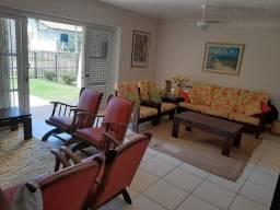 Sobrado 3 dormitórios + dependência de empregada na Praia Grande