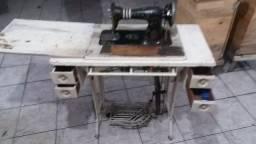 maquina de costura 500,00 valor negociavel