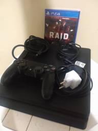 PS4 SLIM 1Tb - Bem Conservado - Vai com jogo e Garantia