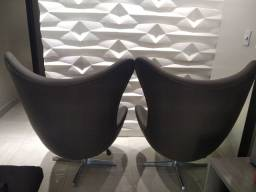 Vende-se duas cadeiras giratórias EG