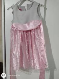 Lote de roupas semi novas infantil 4 anos