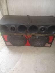 Vendo caixa celada 4 cornetas 2 falantes.