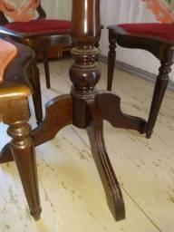 Mesa de mogno com 4 cadeiras