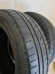 Dois pneus Pirelli 185/65 R15 pouco usados
