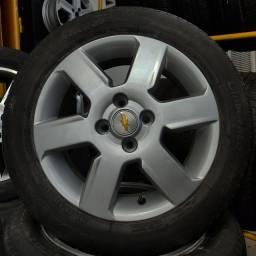 Rodas aro 15(Celta/Corsa)+4 pneus semi novos!!(2.250$ até 10x sem juros no cartão)