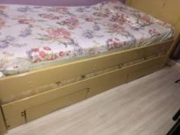Cama solteiro com cama auxiliar e duas gavetas
