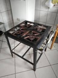 Fogão industrial R$ 800.00
