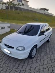 Corsa sedan 2000 1.0 8v Básico com direção!