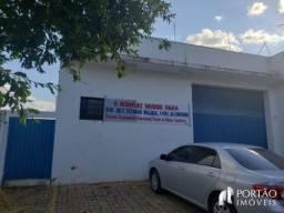 Galpão/depósito/armazém para alugar em Centro, Bauru cod:464
