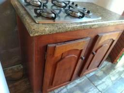 Bancada de marmore com fogão inox