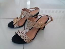 Sandálias N° 37 por R$150,00 às 3