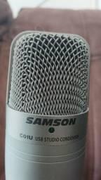 Microfone USB Samson com base e tela
