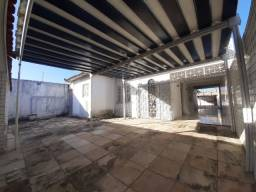 Cidade dos Funcionários - Casa Plana 411m² com 4 quartos e 05 vagas