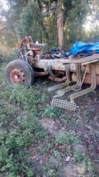 Chassi e motor de caminhão