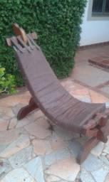 Cadeira de descanso em madeira maciça - Dourados MS