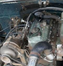 Motor da  Mercedinha 709 funcionando perfeitamente