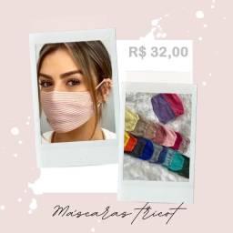 Máscara de tricot