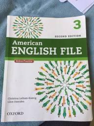 Vendo livro American English File 3