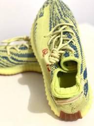 Tênis Yeezy Boost Adidas