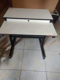 Mesa de Madeira Para Computador / Impressora