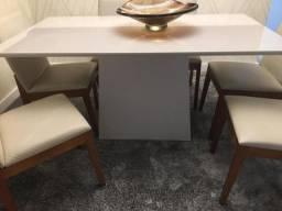 Mesa laca com 6 cadeiras