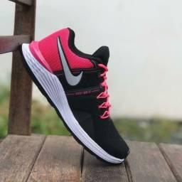 Título do anúncio: Tenis (Leia a Descrição) Tênis Nike Just Pink