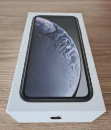 iPhone XR 128GIGAS na caixa.